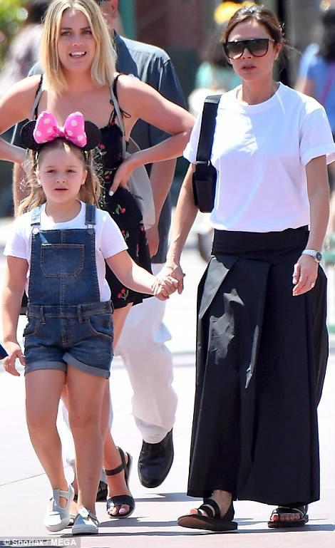 Các con nhà Beckham đều đã cực cao lớn, đặc biệt Harper cho thấy tiềm năng trở thành siêu mẫu - Ảnh 2.