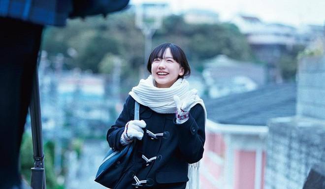 Mana-chan, cô bé đang gây sốt với clip quên người yêu cũ đi, vì vẫn còn 3 tỷ 50 triệu đàn ông trên thế giới là ai? - Ảnh 18.
