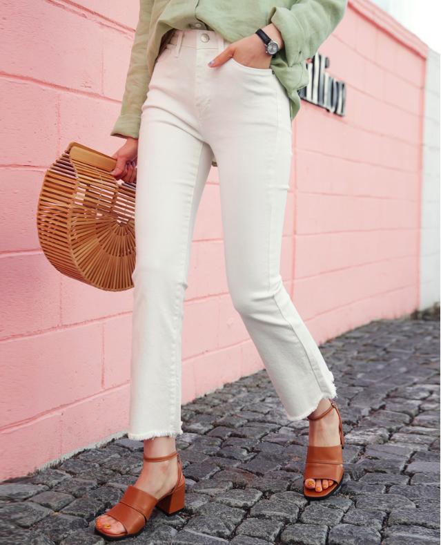 4 lưu ý giúp bạn diện quần jeans ống vẩy max đẹp - ảnh 2