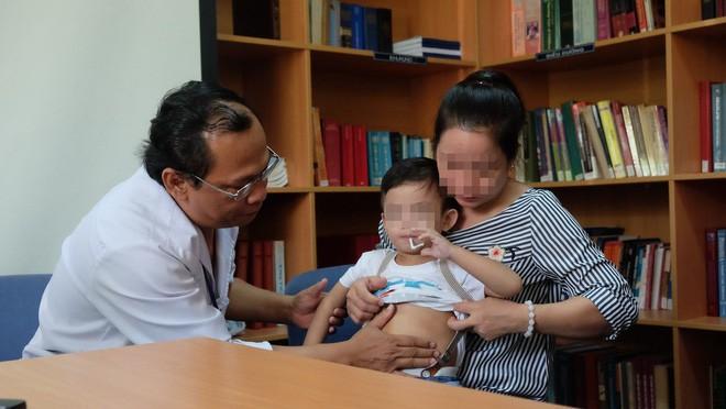 """TP.HCM: Bác sĩ BV Nhi Đồng 1 dùng kỹ thuật """"chưa thực hiện trong đời bao giờ"""" cứu lá lách bé trai 3 tuổi - ảnh 3"""