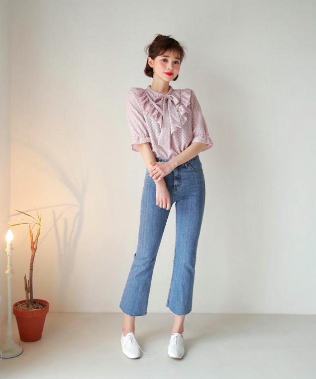 4 lưu ý giúp bạn diện quần jeans ống vẩy max đẹp - ảnh 6