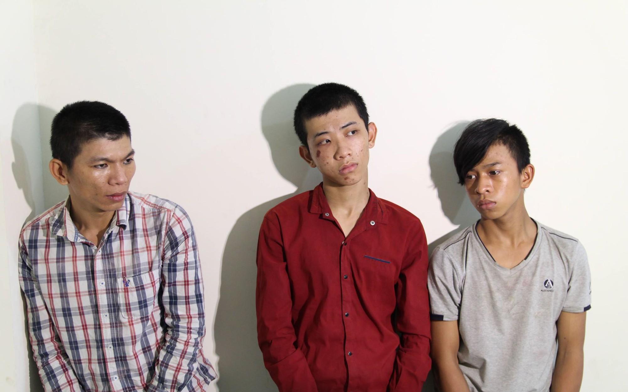 Nhóm cướp nghiện game ma tuý chuyên dùng hung khí tấn công phụ nữ ở vùng ven Sài Gòn
