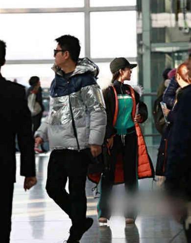 Sự thật đằng sau bức ảnh Lý Tiểu Lộ - Giả Nãi Lượng tình tứ xuất hiện tại sân bay giữa tâm bão scandal - Ảnh 7.