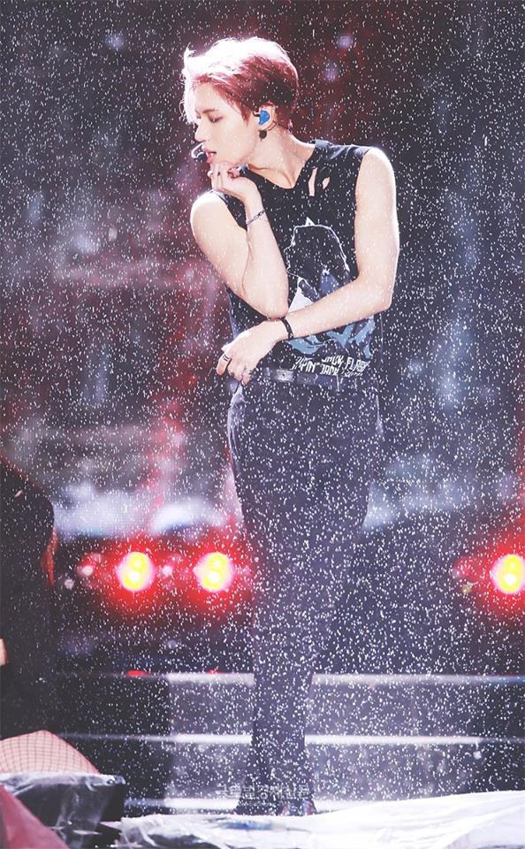 Taemin (SHINee) biểu diễn dưới mưa tại Dream Concert: Đẹp như một bức tranh! - Ảnh 7.
