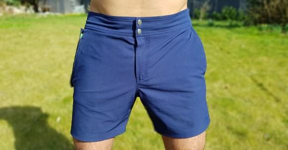 Ngại gì mang điện thoại xuống nước đi bơi khi có chiếc quần chống nước áp lực cao thế này - Ảnh 1.