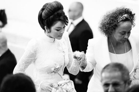 Cuối cùng Lý Nhã Kỳ cũng đưa tà Áo dài truyền thống Việt Nam xuất hiện nổi bật trên thảm đỏ Cannes ngày thứ 7 - Ảnh 8.