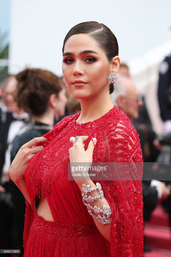 Chẳng phải Phạm Băng Băng hay dàn sao Hollywood, mỹ nhân Thái Chompoo Araya mới là người chiếm sóng thảm đỏ trong 5 ngày ở Cannes - Ảnh 2.