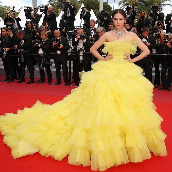 Chẳng phải Phạm Băng Băng hay dàn sao Hollywood, mỹ nhân Thái Chompoo Araya mới là người chiếm sóng thảm đỏ trong 5 ngày ở Cannes - Ảnh 14.