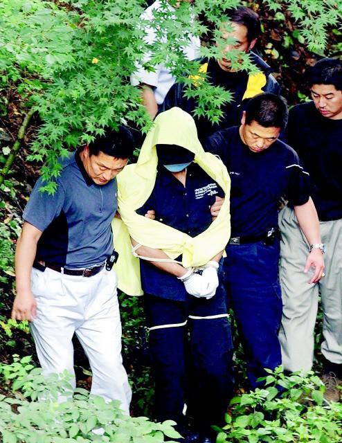 Tên sát nhân hàng loạt man rợ nhất Hàn Quốc: Lấy cảm hứng từ kẻ thủ ác khác, trong vòng 1 năm giết 19 mạng người - ảnh 3