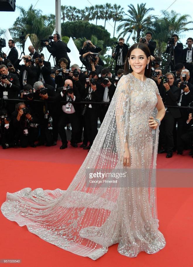 Chẳng phải Phạm Băng Băng hay dàn sao Hollywood, mỹ nhân Thái Chompoo Araya mới là người chiếm sóng thảm đỏ trong 5 ngày ở Cannes - Ảnh 5.
