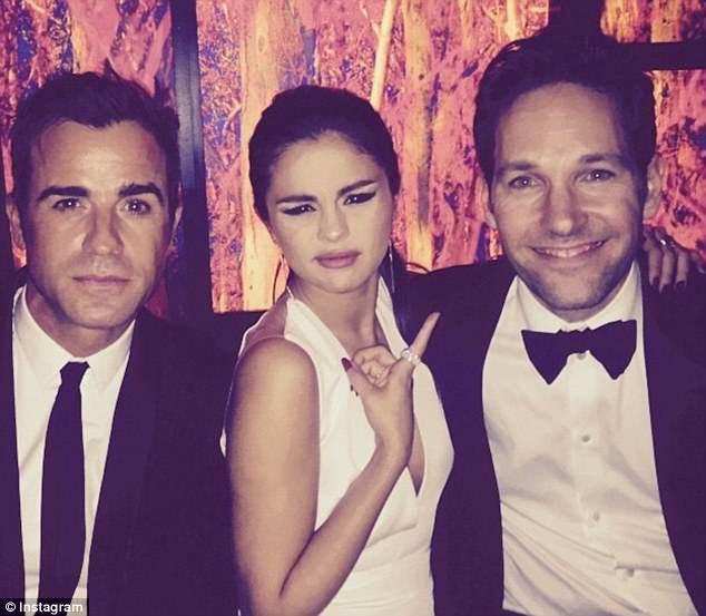 Selena Gomez vượt mức tình bạn với một chàng Justin nhưng đó không phải là Justin Bieber? - ảnh 1