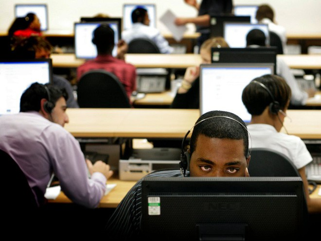 Tại sao nhân viên văn phòng nên đứng dậy khỏi ghế làm việc ít nhất 2 tiếng mỗi ngày? - ảnh 1