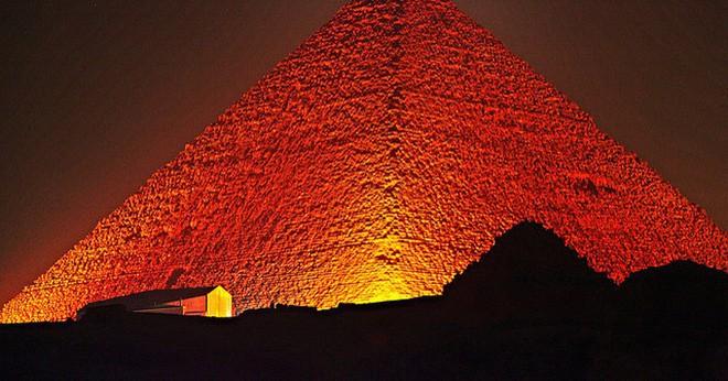 Sự thật về Giza: Không phải ngẫu nhiên mà kim tự tháp có khối lượng, chu vi như vậy! - Ảnh 1.