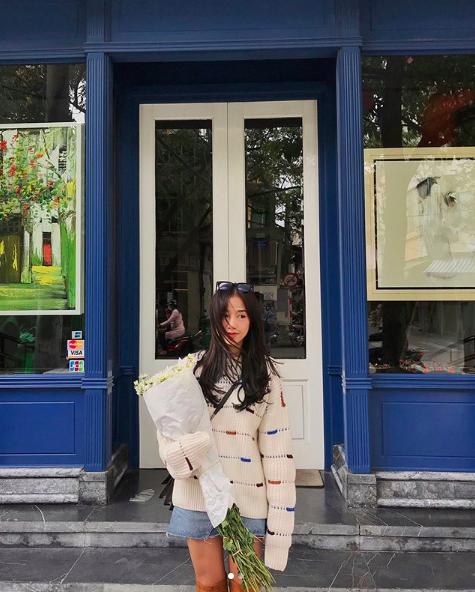 Soi ngay phong cách pose ảnh làm nên thương hiệu của các hotgirl Việt - ảnh 26
