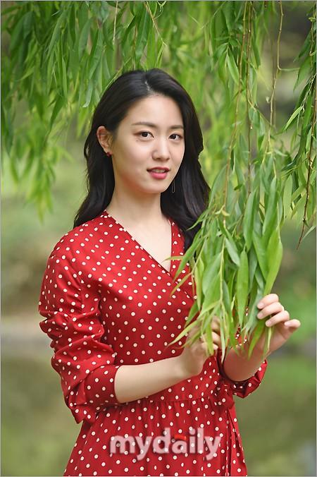 Cùng ngày bị CEO MBK vạch mặt, rắn độc Hyoyoung nhận gạch đá vì xuất hiện đầy quyến rũ trong loạt ảnh mới - ảnh 8