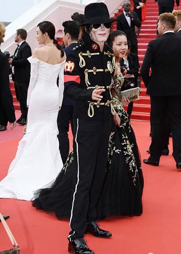 Những màn cosplay lố bịch tại Cannes 2018: từ Michael Jack-Ma cho đến Người Sắt Tony Steak - ảnh 2