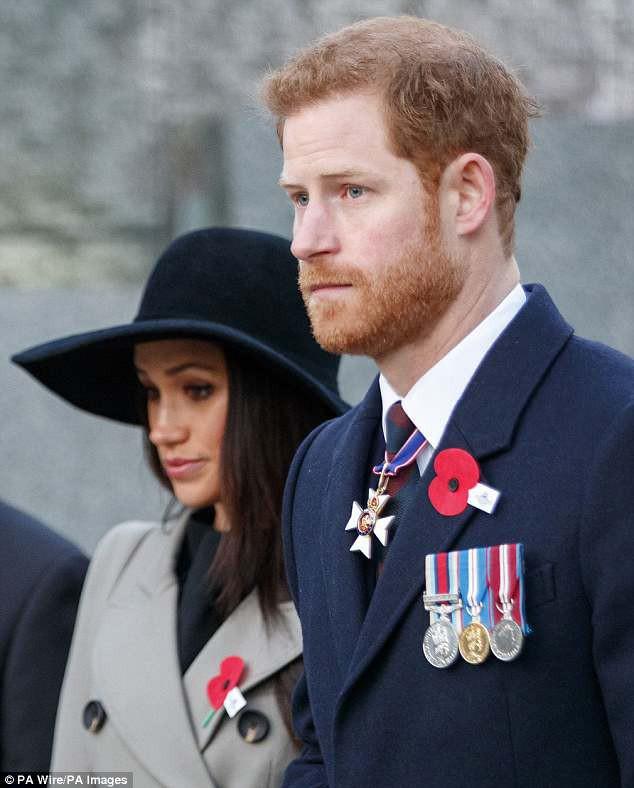 Nhà báo nổi tiếng người Anh gây sốc với tuyên bố: Đám cưới hoàng gia có thể biến thành mớ hỗn độn không cách nào cứu vãn vì những người này - ảnh 1