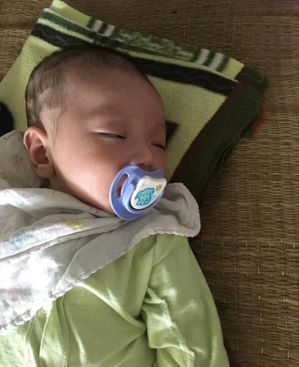 Nhờ bế hộ con để đi vệ sinh, mẹ bỏ luôn con trai 2 tháng tuổi trên xe khách về Hà Giang - ảnh 1