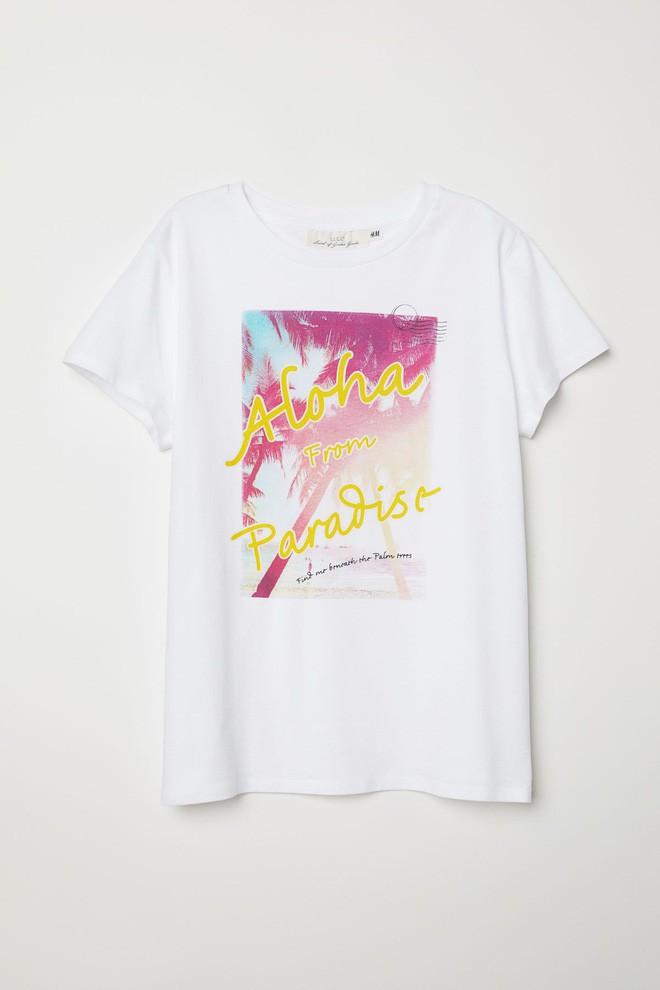 Nếu chán áo phông trắng trơn hay in chữ, Zara cùng H&M còn đủ kiểu áo in hình nổi bật mà giá chưa quá 500 ngàn đồng - ảnh 8