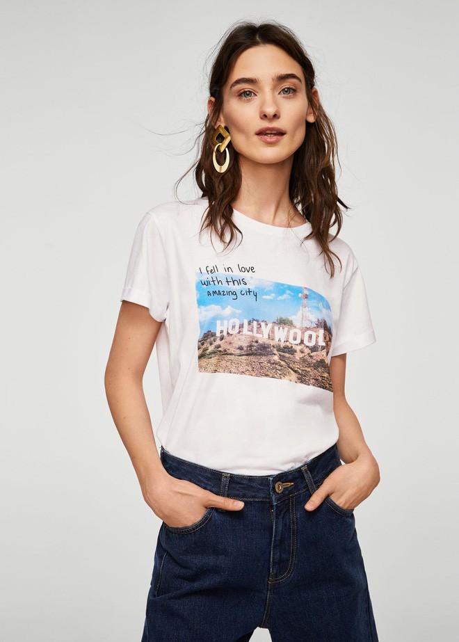 Nếu chán áo phông trắng trơn hay in chữ, Zara cùng H&M còn đủ kiểu áo in hình nổi bật mà giá chưa quá 500 ngàn đồng - ảnh 10
