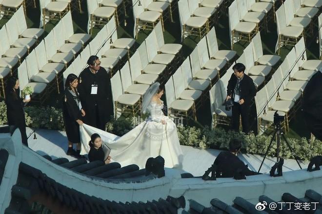 Rần rần trước loạt chi tiết trùng khớp giữa đám cưới Hoàng Gia Anh và hôn lễ thế kỷ của Song Song - ảnh 13