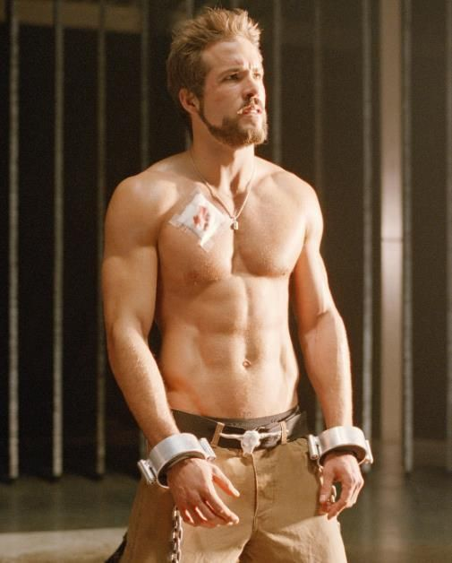 Trong Deadpool mặc kín thế, nhưng mỗi khi Ryan Reynolds cởi áo ra thì ai cũng phải mất máu! - Ảnh 9.