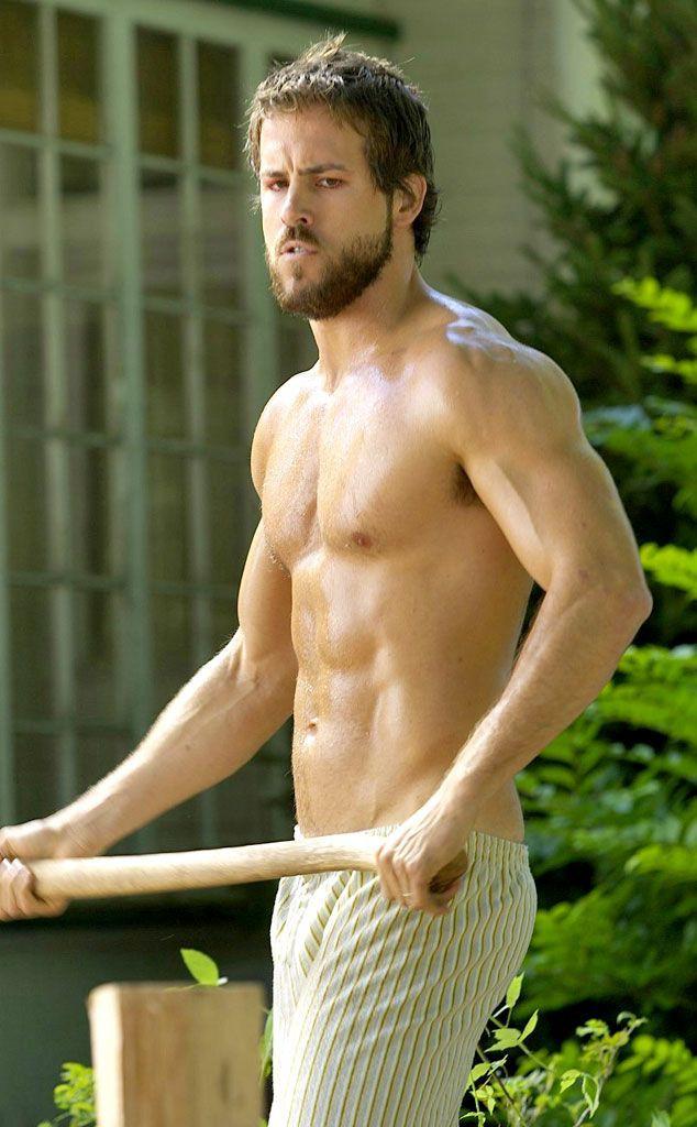 Trong Deadpool mặc kín thế, nhưng mỗi khi Ryan Reynolds cởi áo ra thì ai cũng phải mất máu! - Ảnh 16.