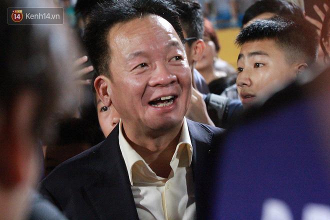 Bầu Hiển thưởng Hà Nội FC hơn 1 tỷ đồng sau trận thắng ngược Than Quảng Ninh - Ảnh 1.