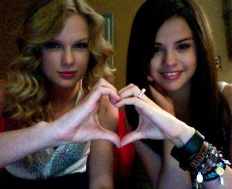 Taylor Swift và Selena Gomez: Tình bạn chân thành suốt 13 năm của hai ngôi sao quyền lực nhất showbiz - ảnh 1