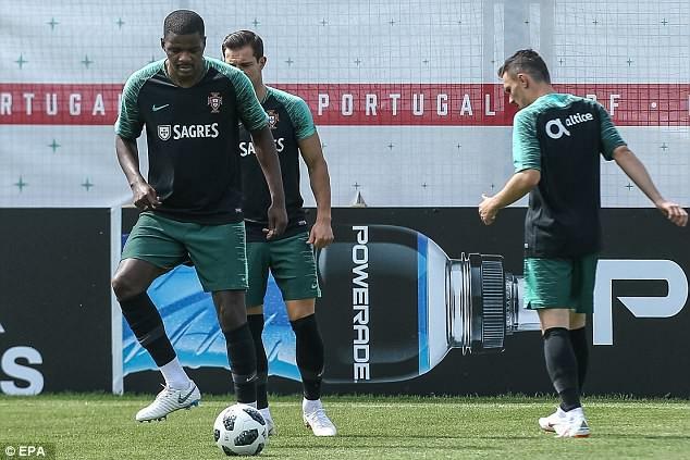 Sau Tây Ban Nha, đến lượt Bồ Đào Nha của Ronaldo gặp vấn đề - ảnh 2