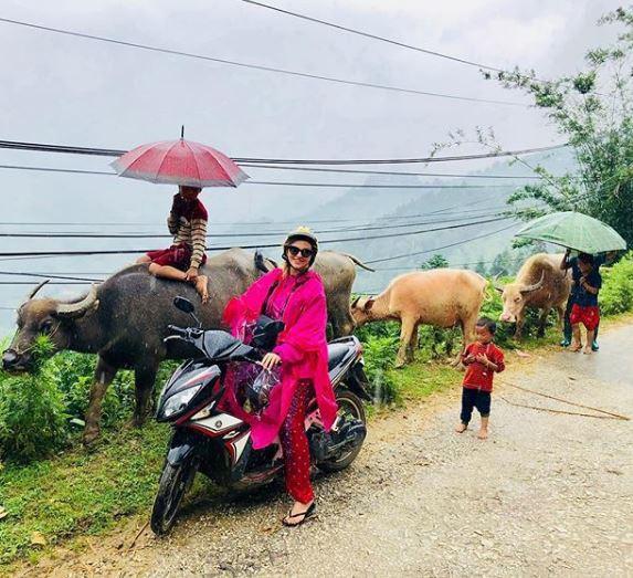 Smalling đánh vần tiếng Việt siêu giỏi khi đi học ở Hạ Long - ảnh 4