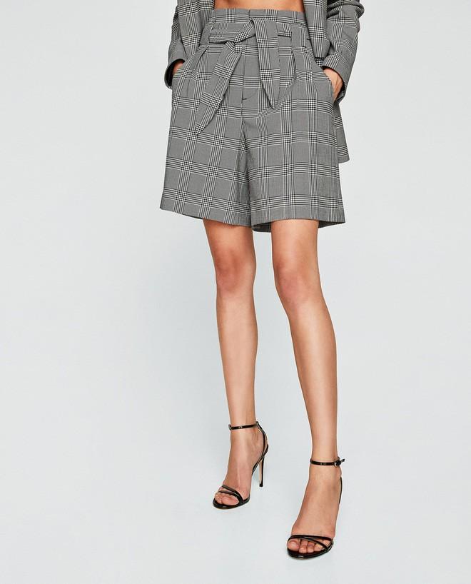 """""""Quần shorts của mẹ"""" - mốt quần mới năm nay đảm bảo mặc mát và hoàn toàn có thể diện tới sở làm - ảnh 5"""