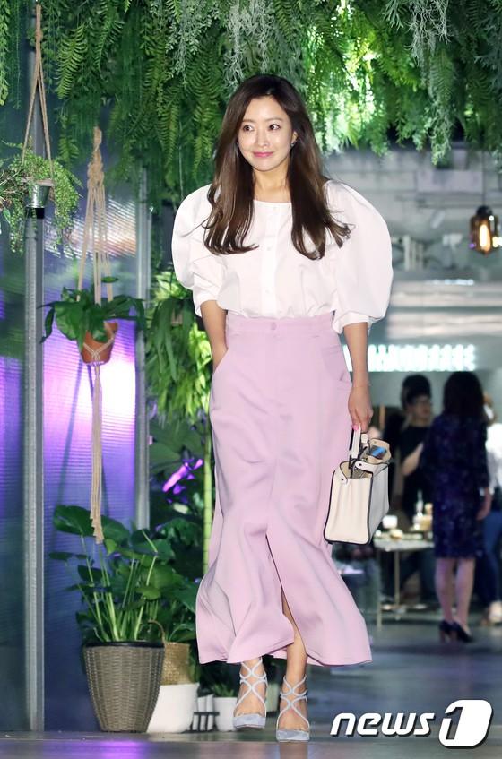 Sự kiện hội tụ gần 30 sao Hàn: Mẹ Kim Tan lép vế trước Kim Hee Sun, Jung Hae In nổi bật giữa dàn sao nhí một thời - ảnh 2
