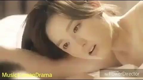 Hé lộ cảnh nóng bị cắt của loạt phim Hàn nổi tiếng: Nóng nhất là cặp đôi Hậu Duệ Mặt Trời - ảnh 2