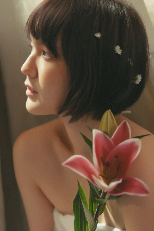 Hải Tú bất ngờ xuất hiện trong bộ ảnh mới: Ma mị, cuốn hút và vẫn đúng chuẩn nàng thơ như năm nào! - ảnh 8