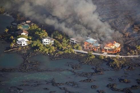 Núi lửa Kilauea phun trào phá hủy 600 ngôi nhà ở Hawaii (Mỹ) - ảnh 1