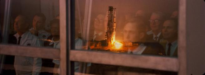 Trai đẹp Ryan Gosling chinh phục mặt trăng trong phim tiểu sử First Man - ảnh 4
