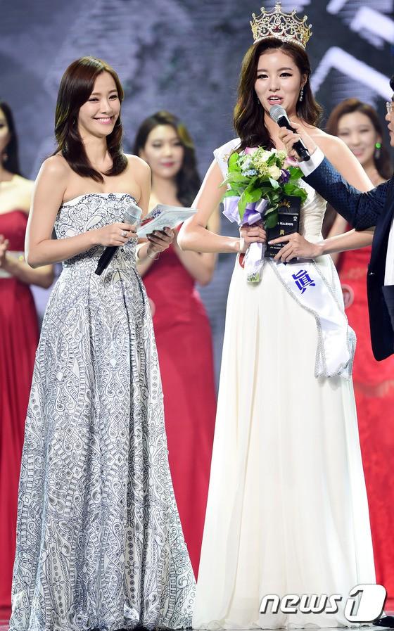 """Trớ trêu các cuộc thi sắc đẹp Hàn Quốc: Hoa hậu bị """"kẻ ngoài cuộc"""" lấn át nhan sắc ngay trong đêm đăng quang! - ảnh 20"""