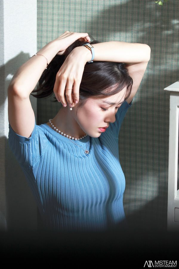 Hình hậu trường của Son Ye Jin chứng minh: Đã là tường thành nhan sắc thì bất chấp, không cần photoshop - ảnh 11