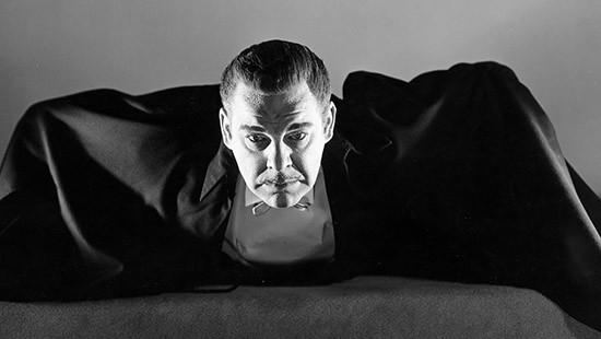 10 phiên bản Dracula đáng nhớ trên màn ảnh: Tạo hình liên tục thay đổi trong suốt 100 năm - ảnh 7