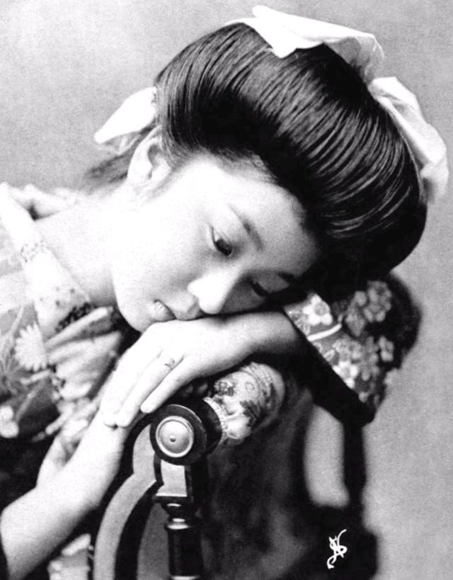 15 bức ảnh mặt mộc không son phấn của các nàng geisha thế kỷ 19 đẹp đến ngỡ ngàng làm bạn không thể rời mắt - ảnh 11