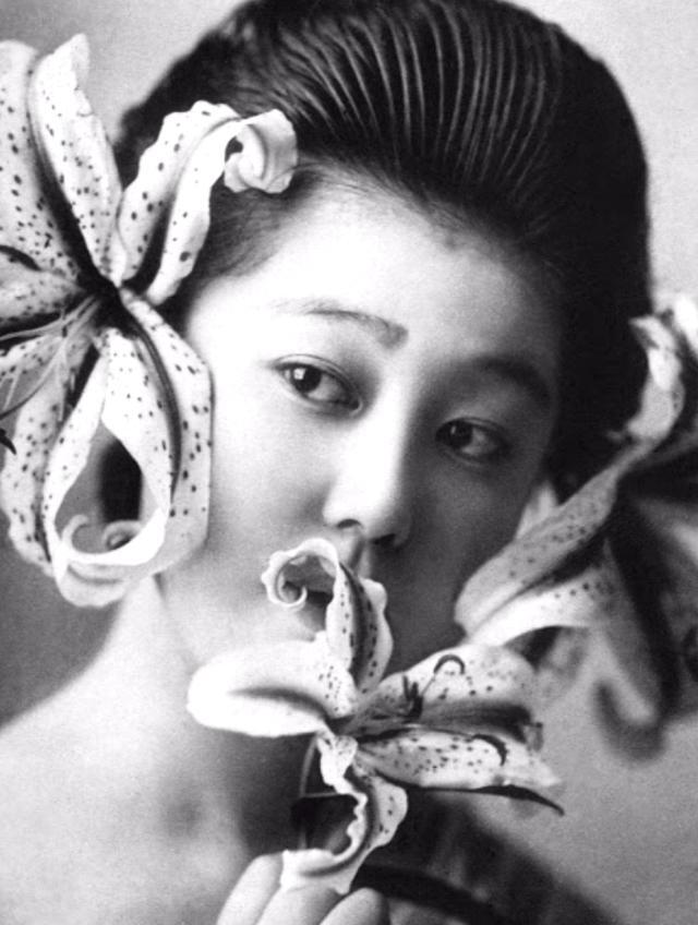 15 bức ảnh mặt mộc không son phấn của các nàng geisha thế kỷ 19 đẹp đến ngỡ ngàng làm bạn không thể rời mắt - ảnh 6