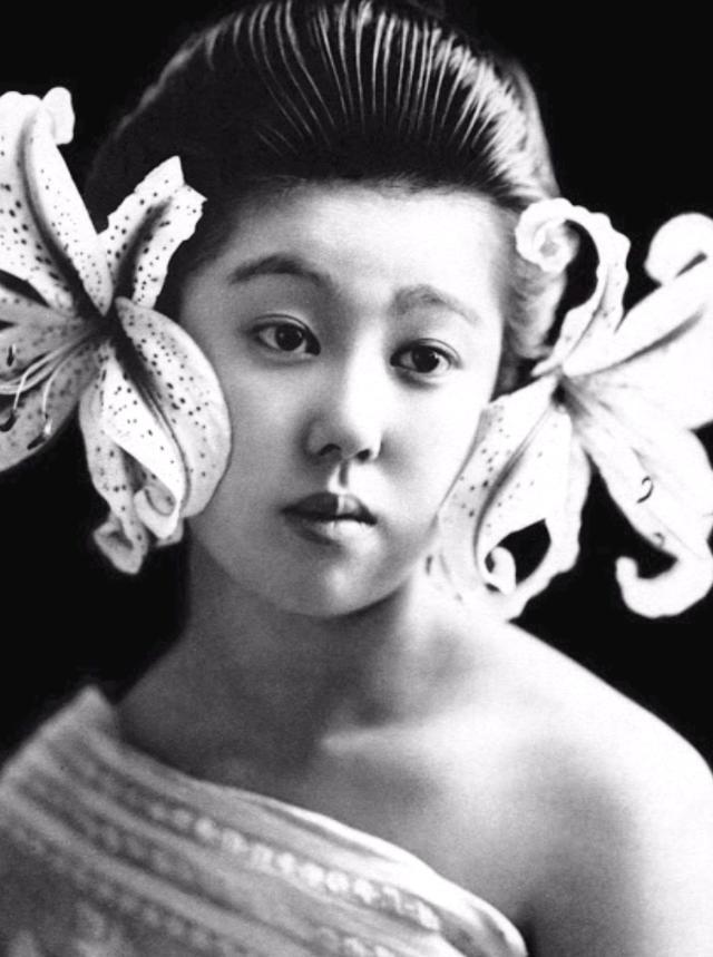 15 bức ảnh mặt mộc không son phấn của các nàng geisha thế kỷ 19 đẹp đến ngỡ ngàng làm bạn không thể rời mắt - ảnh 9