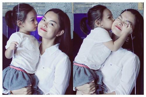 Mới 6 tuổi, con gái Phạm Quỳnh Anh đã biết quan tâm, nhắn tin hỏi thăm khi mẹ đi diễn xa - ảnh 3