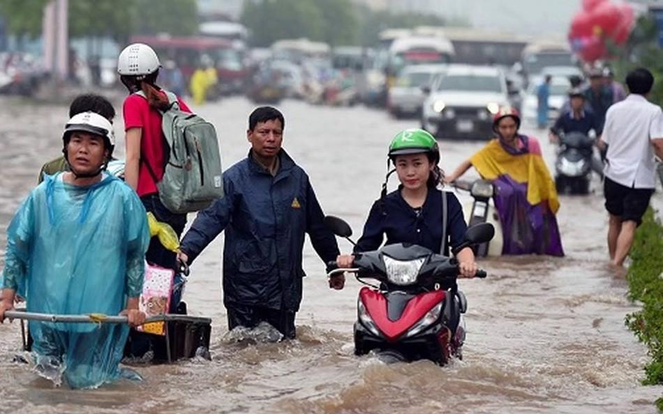 Ngập lụt chưa dứt, áp thấp nhiệt đới có khả năng mạnh lên lại đe dọa trong 4 ngày tới