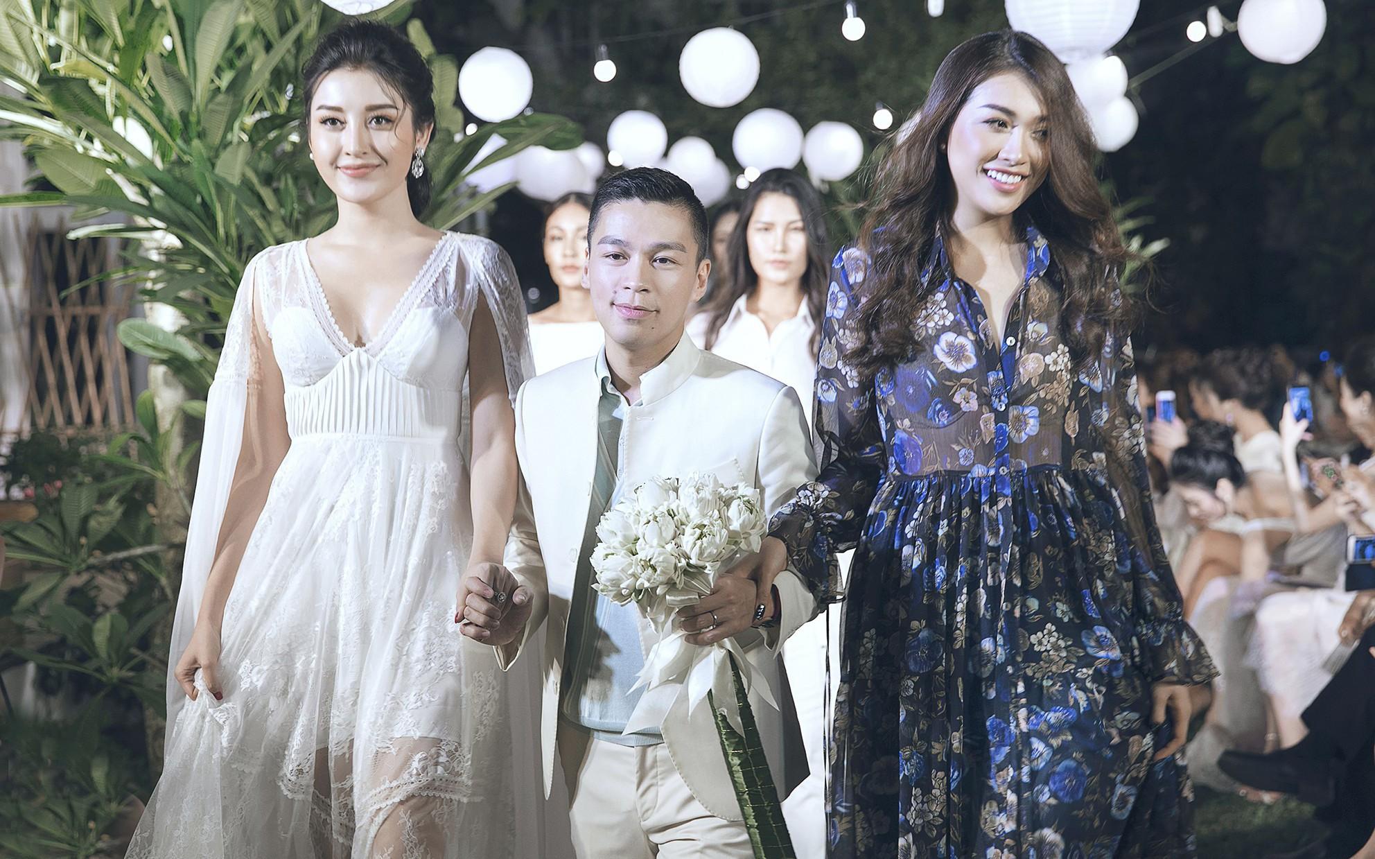Á hậu Huyền My làm vedette, kết màn show diễn ngoài trời thơ mộng của NTK Adrian Anh Tuấn