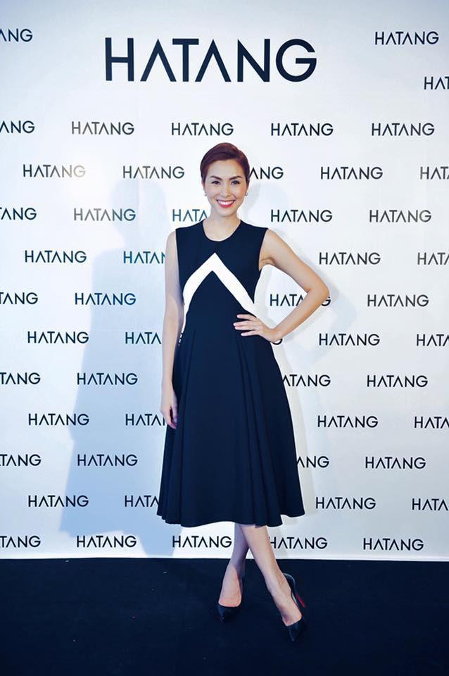 Hà Tăng cũng từng diện bộ váy đen y chang thiết kế mà Lan Khuê mặc đi mặc lại  - Ảnh 4.