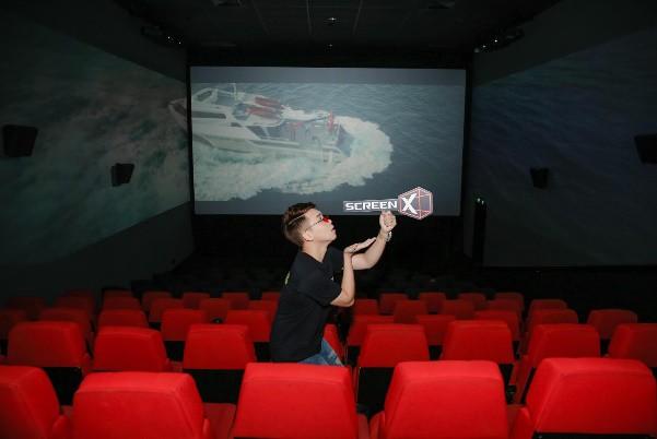 Cảm nhận trọn vẹn sự hoành tráng của bom tấn Cá mập siêu bạo chúa tại rạp phim 3 màn hình - ảnh 1