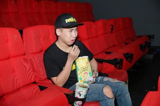 Cảm nhận trọn vẹn sự hoành tráng của bom tấn Cá mập siêu bạo chúa tại rạp phim 3 màn hình - ảnh 2