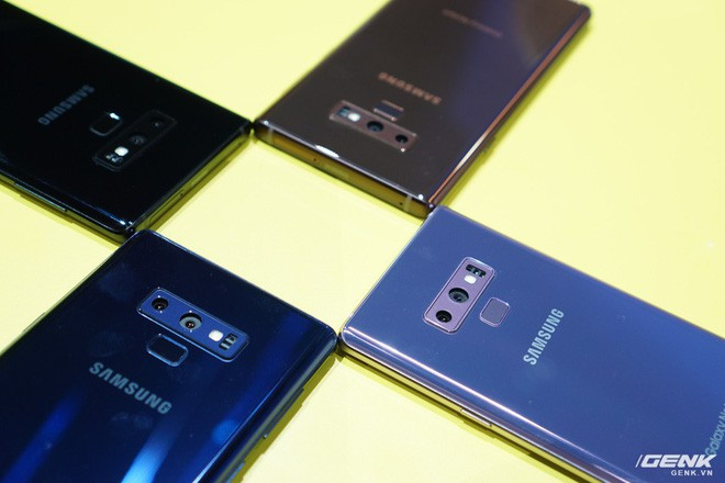 Ảnh thực tế Galaxy Note 9 vừa mới ra mắt: Có những gì đỉnh hơn người tiền nhiệm Note 8? - Ảnh 18.